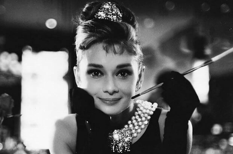 Hepburn z papierosem