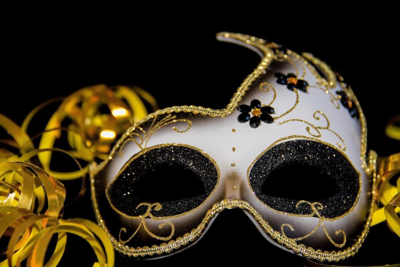 carnival-3075912_1920