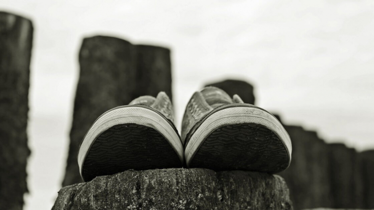 sneakers-2679705_1280